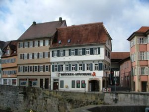 Hartmut Wagner mahnt Apotheker in ganz Deutschland ab.